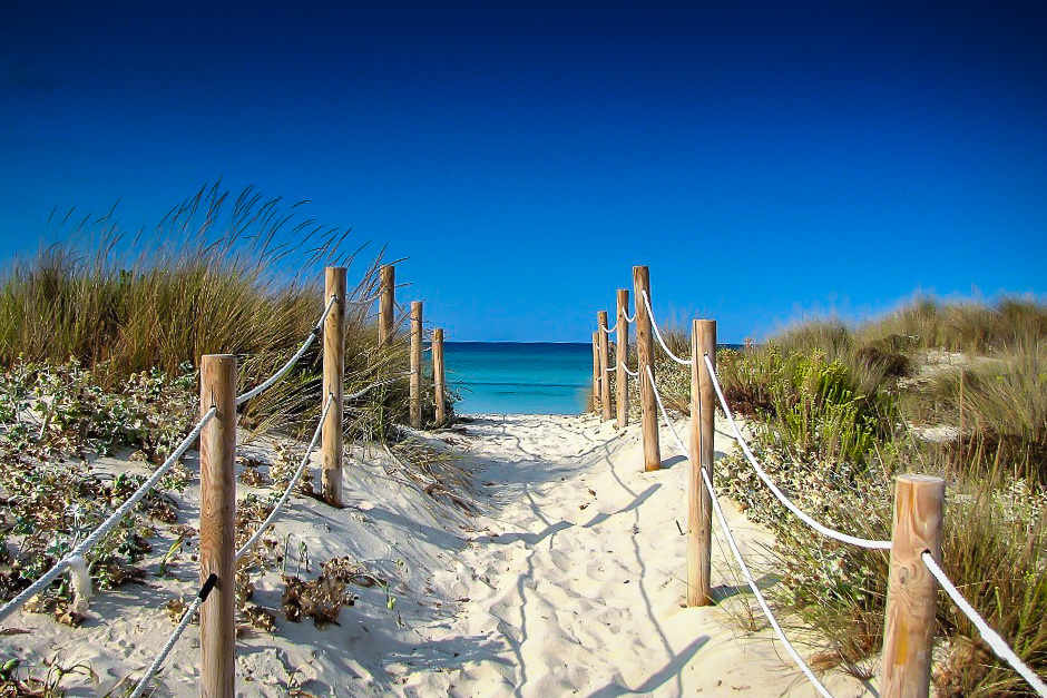 es-trenc-beach